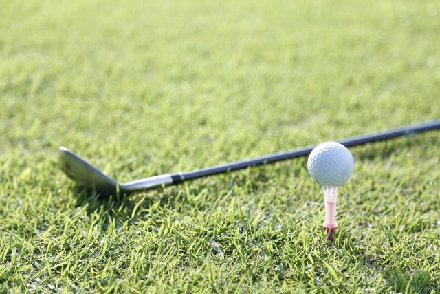 個人レッスン後のゴルフクラブとボール